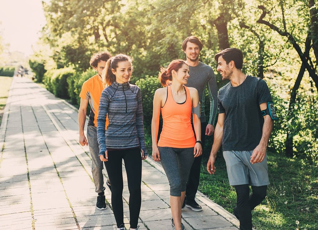 walking in groups to lose weight